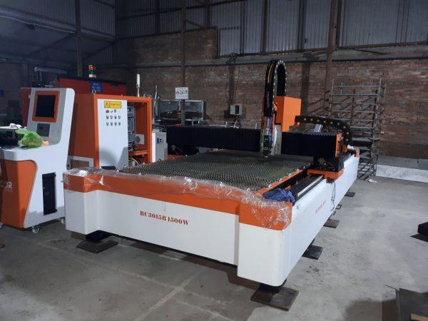 Máy cắt Laser Fiber bàn đơn
