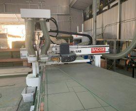 Máy gia công trung tâm gỗ CNC thay dao tự động
